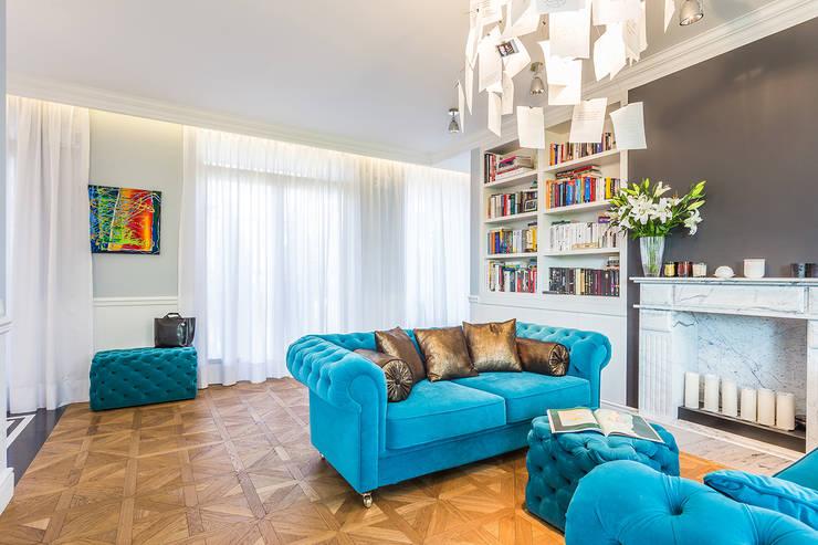 Warszawa – Al. Wilanowska: styl , w kategorii Salon zaprojektowany przez Michał Młynarczyk Fotograf Wnętrz