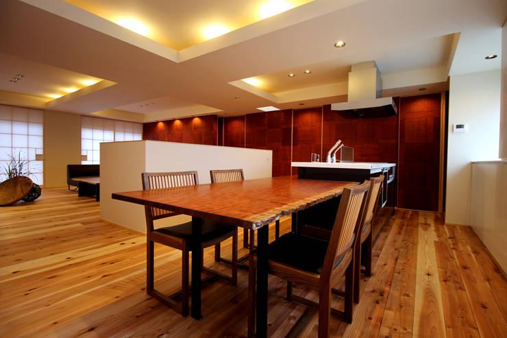 三重県・伊賀 「和紙に包まれる家」 Dining: CN-JAPAN/藤村正継が手掛けたダイニングです。
