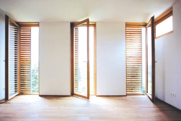 Bedroom by dietrich + lang architekten