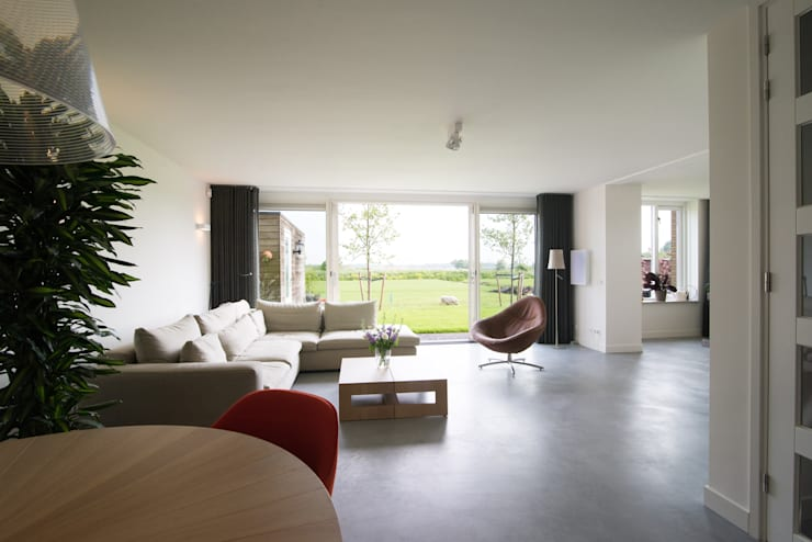 zitkamer:  Woonkamer door Egbert Duijn architect+