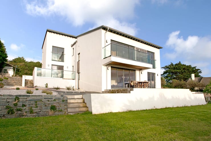 Trevanion, Bude, Cornwall: modern Houses by The Bazeley Partnership