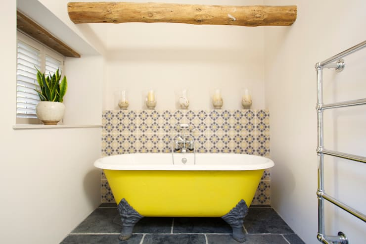Dartmoor Farmstead: country Bathroom by Woodford Architecture and Interiors
