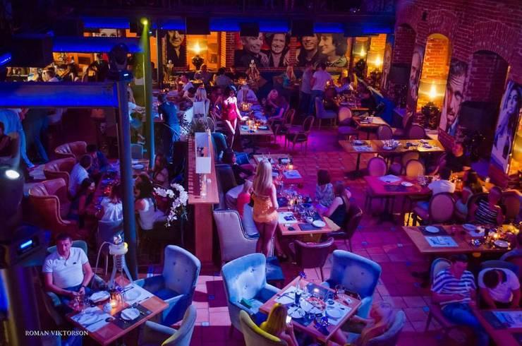 SOHO LOUNGE CAFE: Гостиная в . Автор – NEXXT,