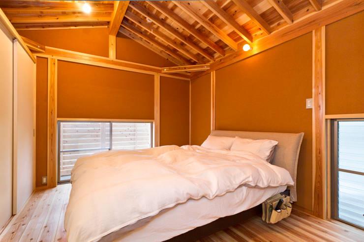 Schlafzimmer von shu建築設計事務所