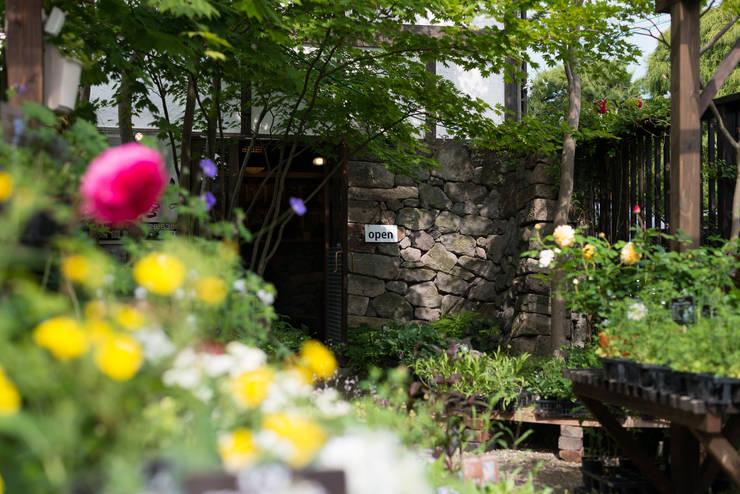 アトリエ: yocchannnoniwakoubouが手掛けた庭です。
