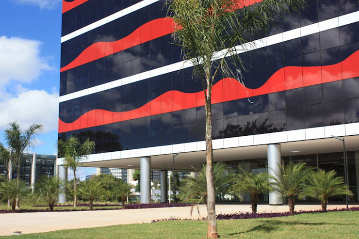 Edifício PO 700 : Edifícios comerciais  por Fabio Camargo Paisagismo,