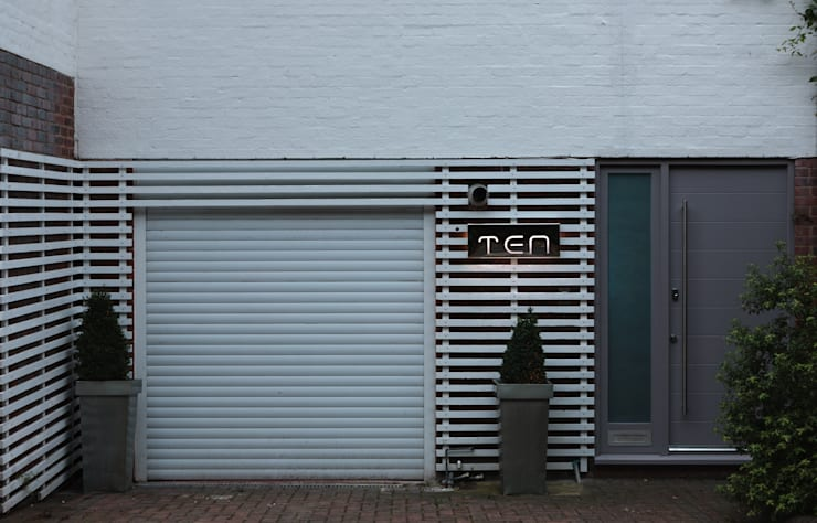 Chiswick Quay:  Garage/shed by Rousseau