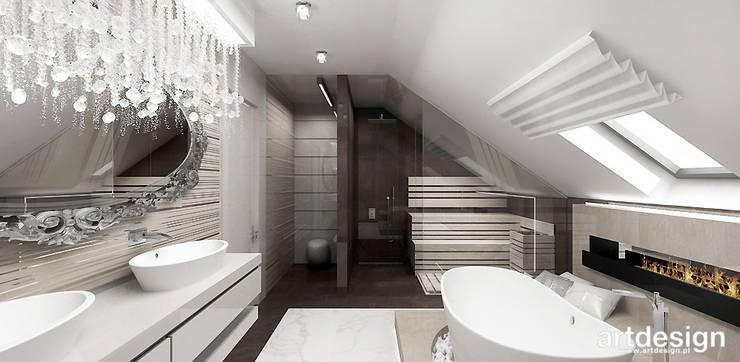 Salon kąpielowy z sauną i kominkiem: styl , w kategorii Łazienka zaprojektowany przez ARTDESIGN architektura wnętrz