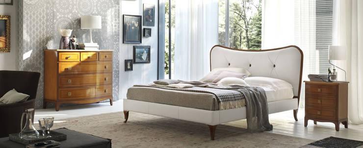 Camera Le Mimose: Camera da letto in stile in stile Classico di Le Fablier