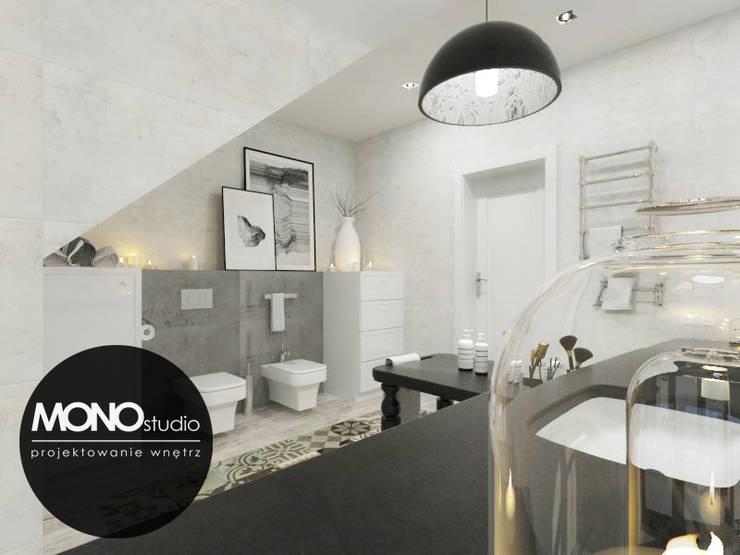 Klasyczna elegancja w stonowanej kolorystyce: styl , w kategorii Łazienka zaprojektowany przez MONOstudio