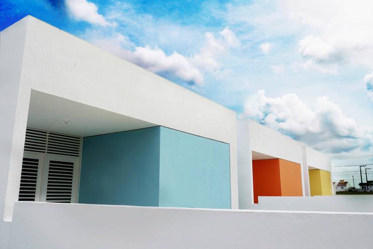 Cidade Feliz A: Casas  por Martins Lucena Arquitetos