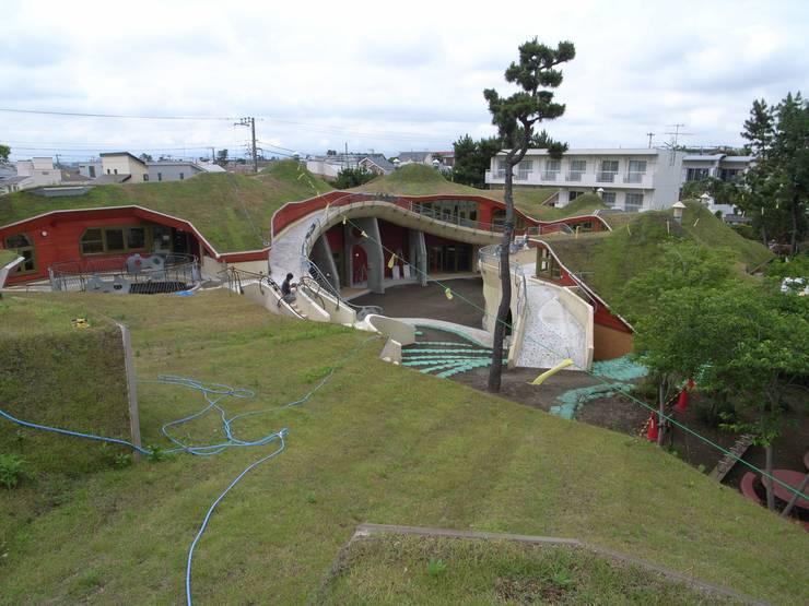 屋上緑化: y-ikegamiが手掛けた家です。