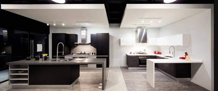 Boato Design Showroom: Cocinas de estilo  por Accion Reforma Arquitectos