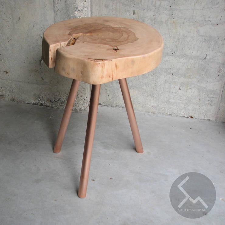 STOLIK No.14 Cu: styl , w kategorii Salon zaprojektowany przez Studio Minimal Meble,