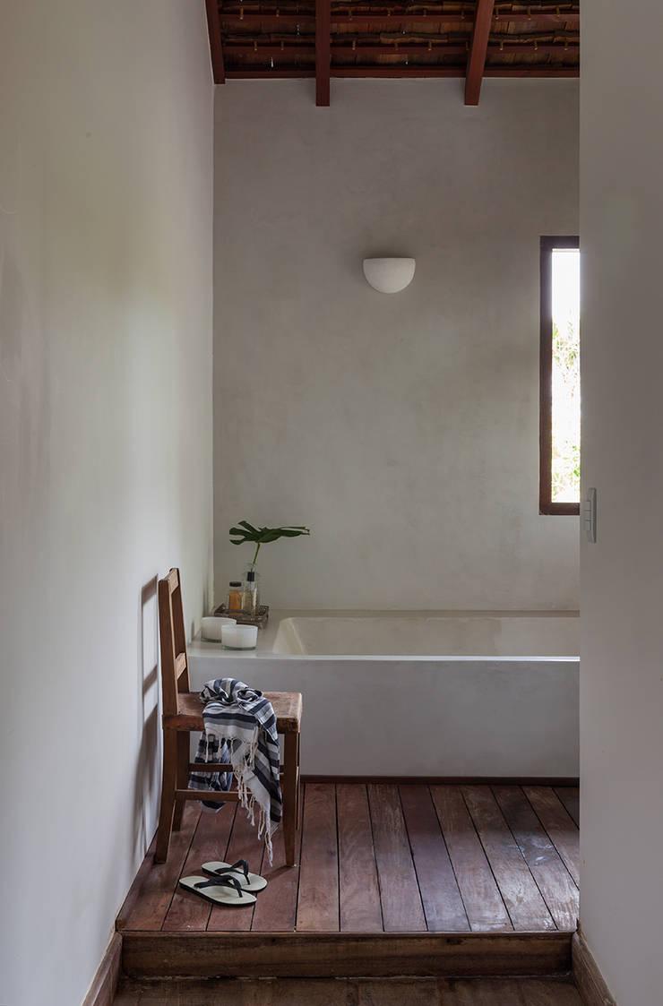 Banheiro: Banheiros  por Vida de Vila