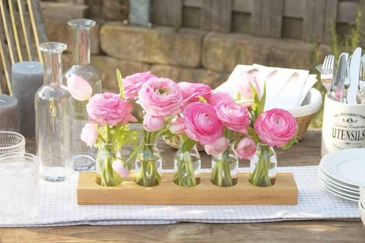 Milchkannenvase aus Eiche: moderne Esszimmer von Blumen-wiese