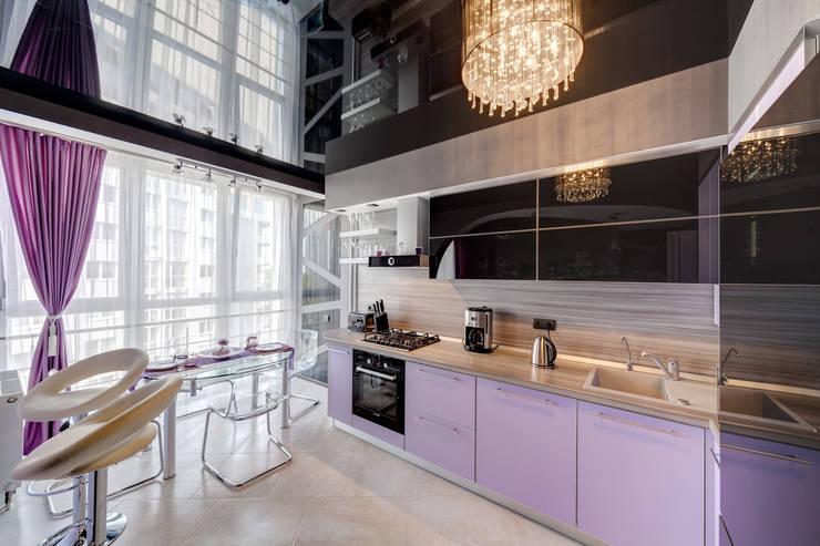 Чёрное озеро (дизайн интерьера квартиры г.Калининград): Кухни в . Автор – Asiya Orlova Interior Design