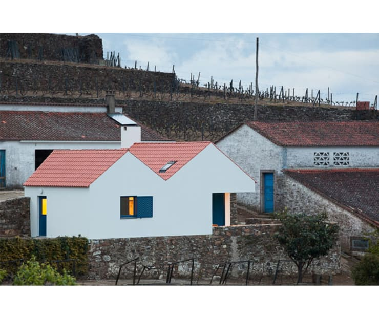 Casa Caseiros: Casas  por SAMF Arquitectos