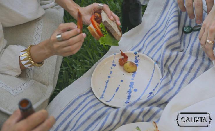 Platos para comer de todo.: Cocina de estilo  por Calixta