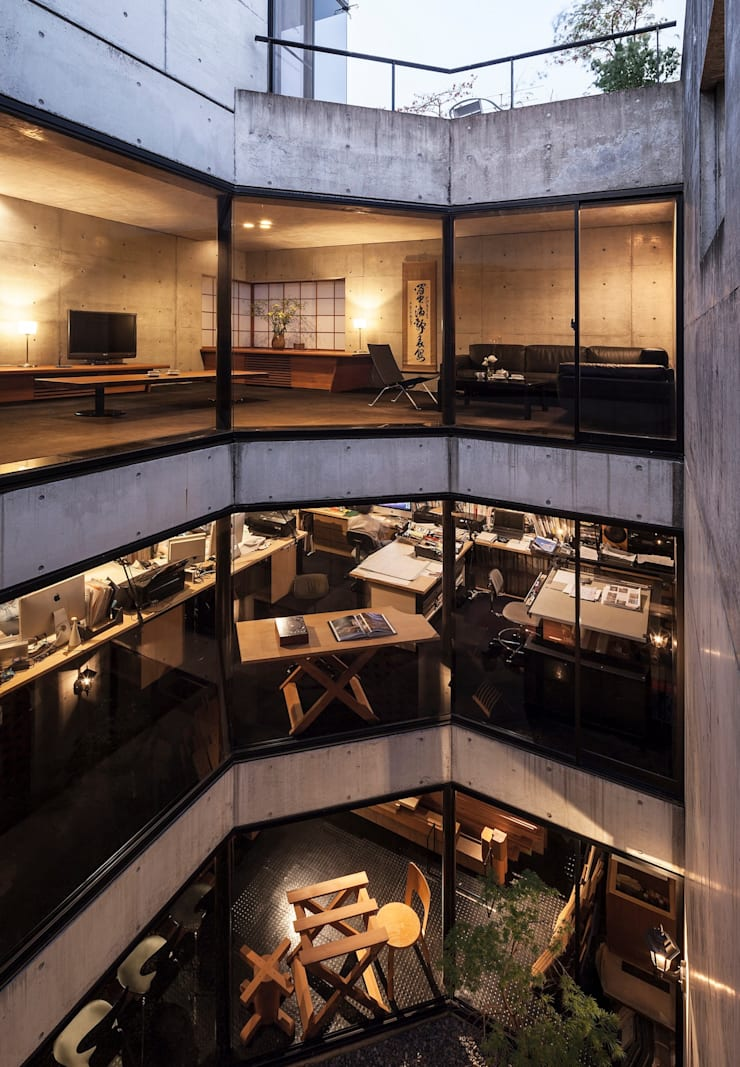 吹抜け: 松井建築研究所が手掛けた壁です。
