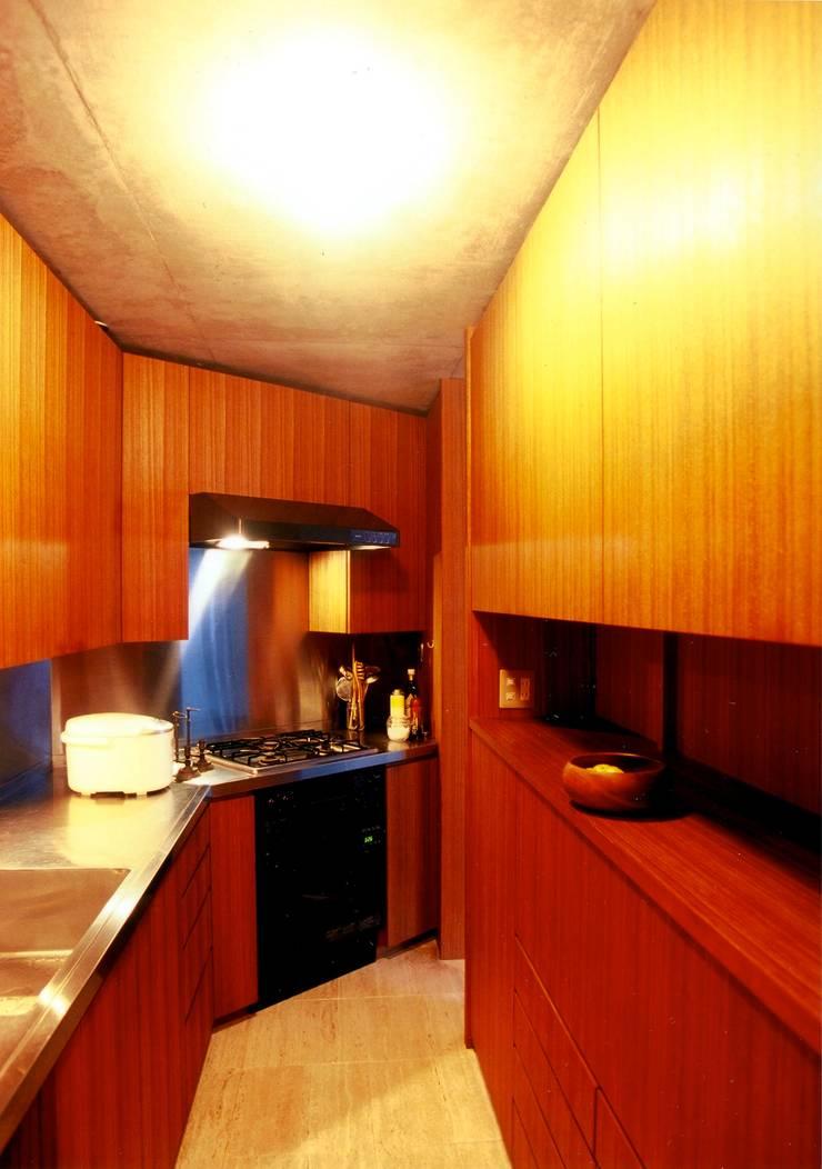 オリジナルキッチン: 松井建築研究所が手掛けたキッチンです。