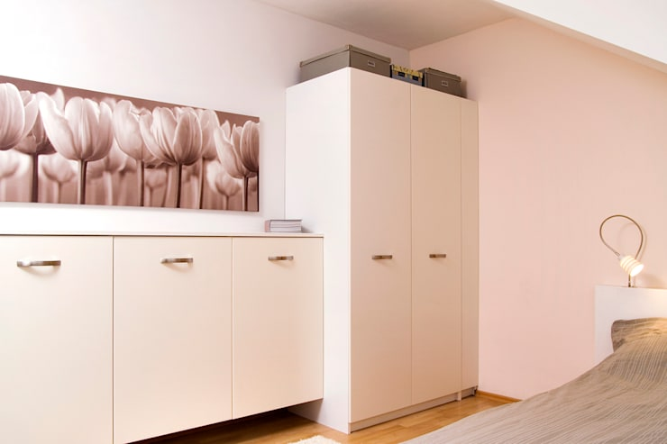 mehr Raum: moderne Schlafzimmer von Raumagentur - ArteFakt