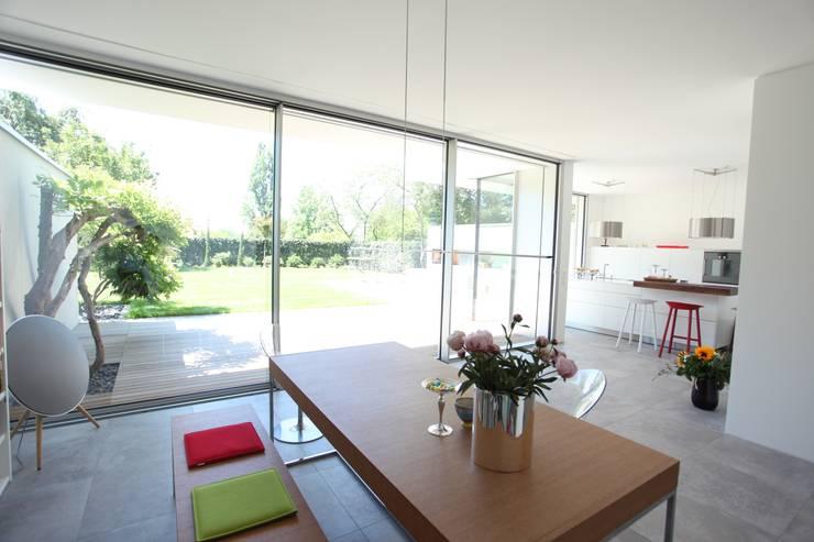Kitchen by Neugebauer Architekten BDA