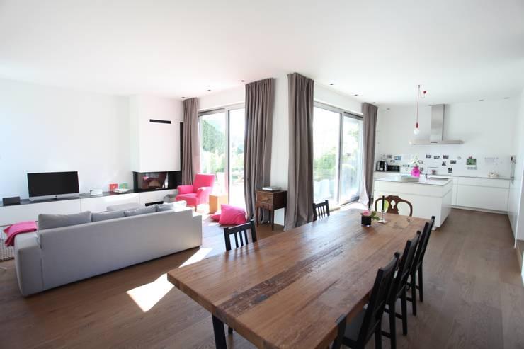 Wohn- Esszimmer Küche: moderne Esszimmer von Neugebauer Architekten BDA