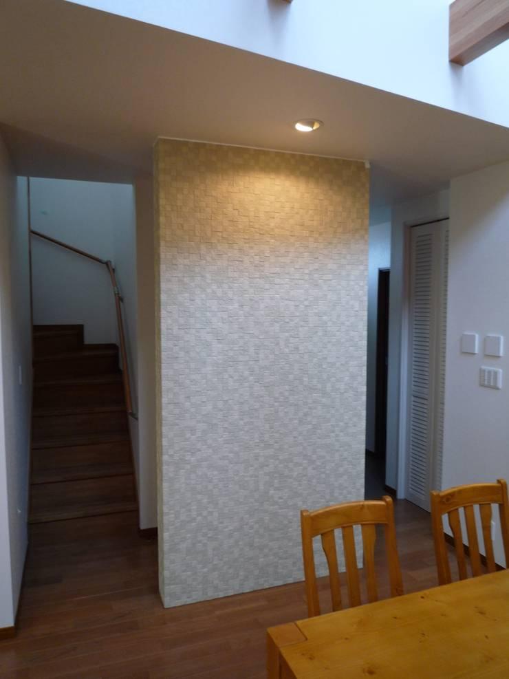 戸建て住宅: suminoが手掛けたリビングです。