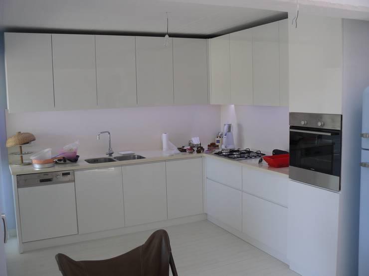 Katizi Mimarlık – SUNAY EVİ  Artur Sitesi Ayvalık: akdeniz tarzı tarz Mutfak