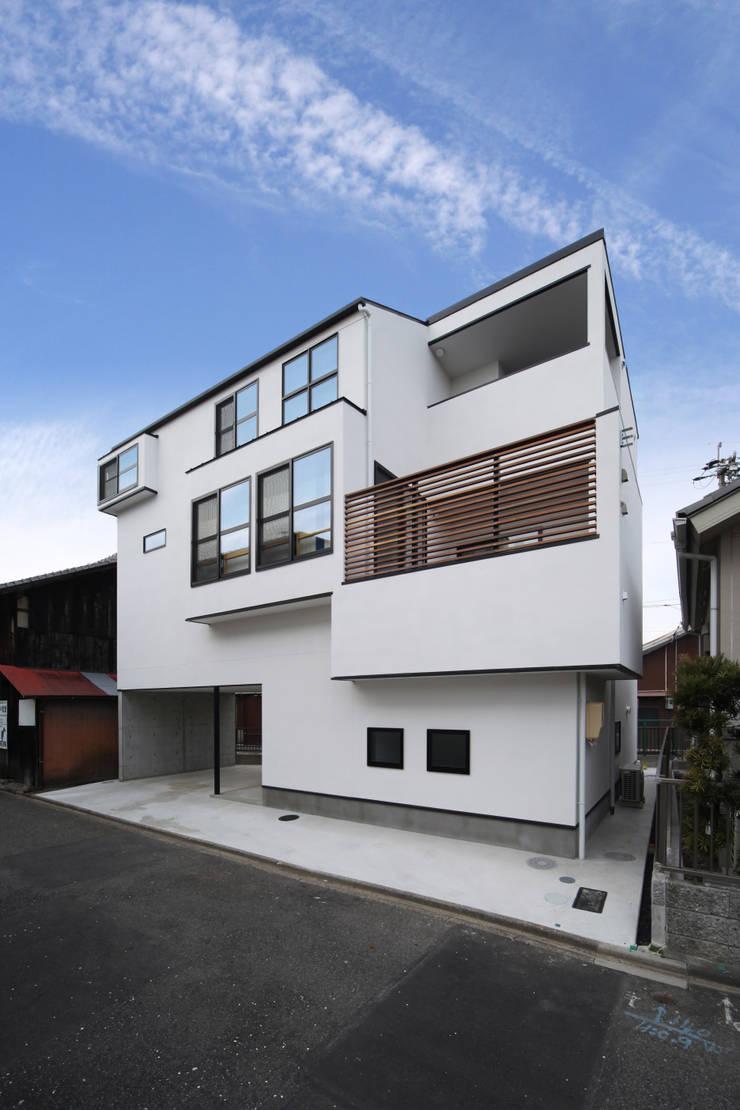 稚児宮通の家: 加門建築設計室が手掛けた家です。