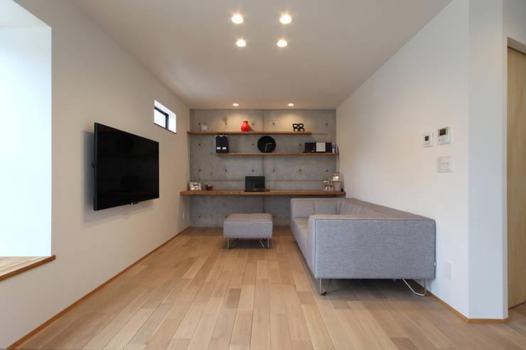Ruang Keluarga by 加門建築設計室