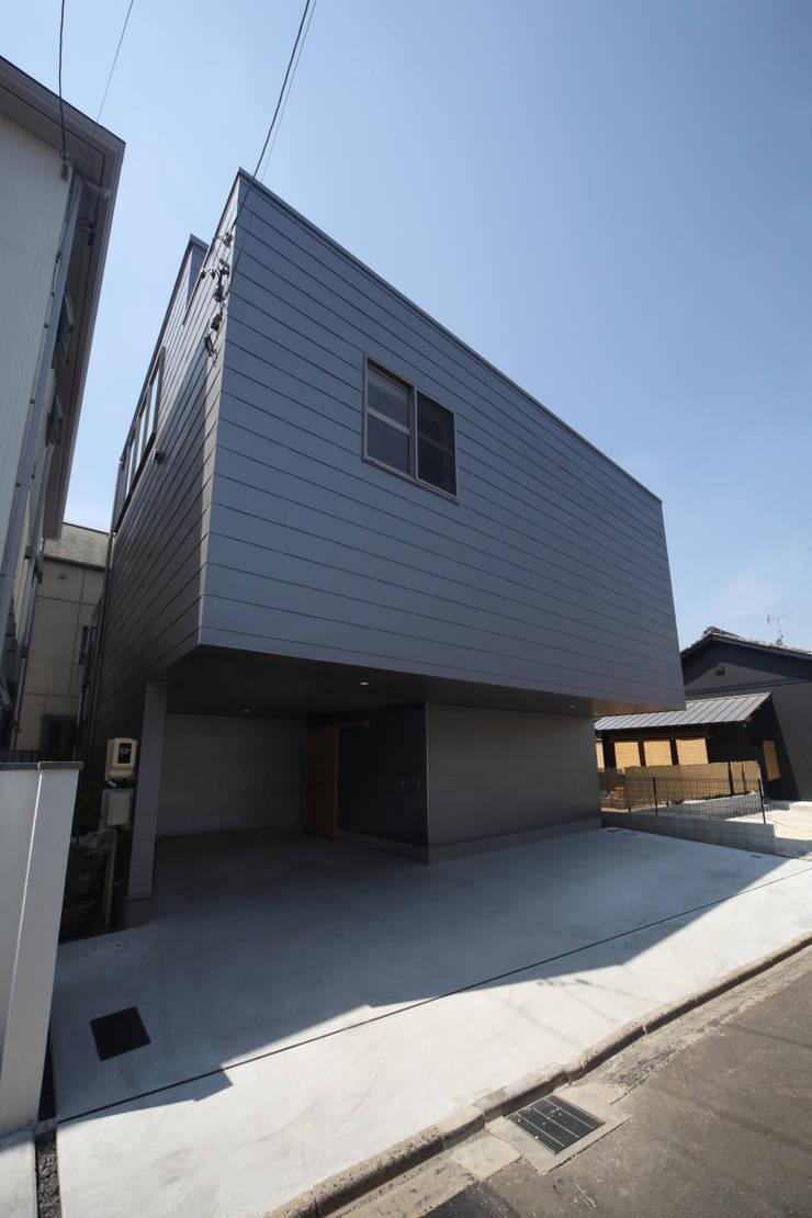 Rumah Modern Oleh 加門建築設計室 Modern