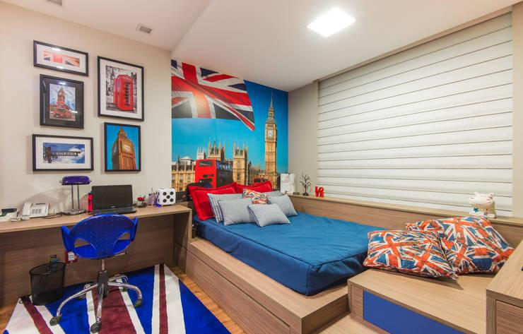 Suite :   por CASA Arquitetura e design de interiores,Eclético
