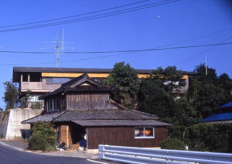 建物の遠景。: 酒井光憲・環境建築設計工房が手掛けた家です。,