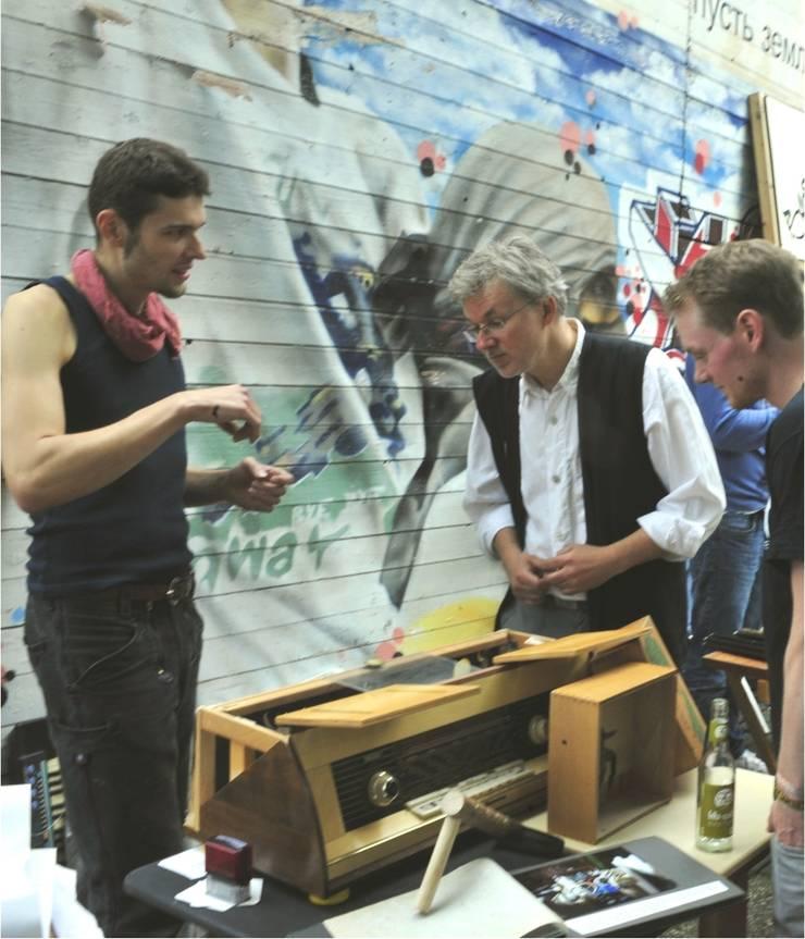 Tinka Belle Craftsman - Upcyclingbörse Hannover 2015:  Multimedia-Raum von Bauteilbörse Hannover
