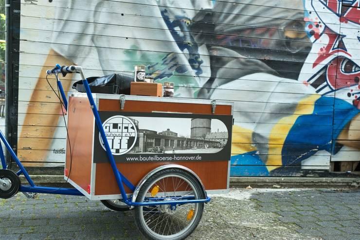 Lastenfahrad der Bauteilbörse Hannover - Upcyclingbörse Hannover 2015:  Geschäftsräume & Stores von Bauteilbörse Hannover