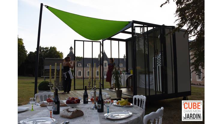 Cuisine CUBE: Cuisine de style de style eclectique par Un CUBE dans mon jardin
