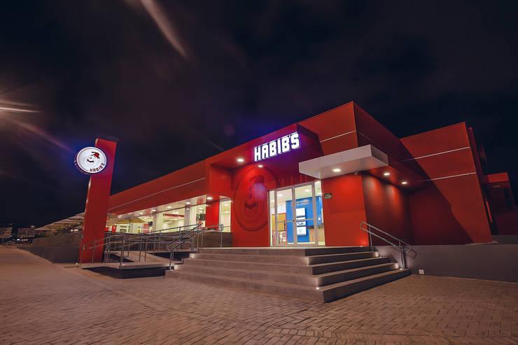 Habib's Bancários: Casas  por Martins Lucena Arquitetos