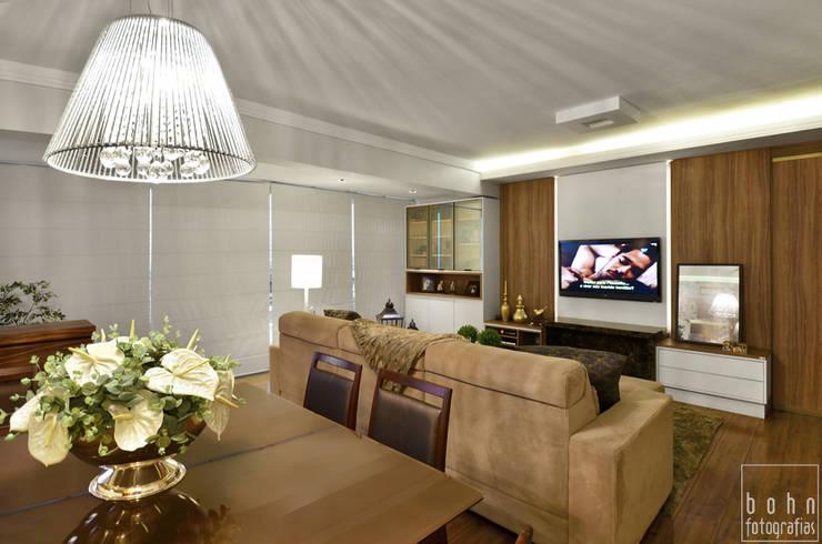 JANTAR INTEGRADO: Salas de estar  por LizRibeiro Arquitetura