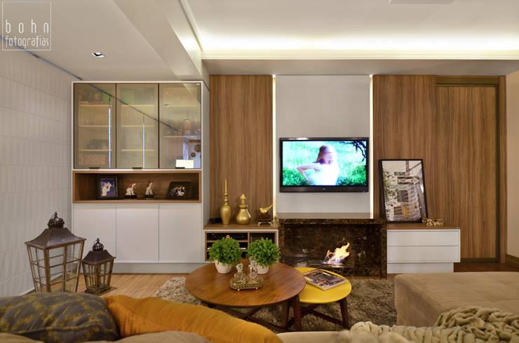 SALA DE ESTAR: Salas de estar  por LizRibeiro Arquitetura