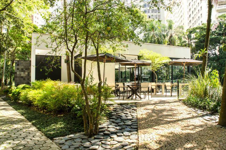 Restaurante Japonês – Clube Pinheiros: Cozinhas asiáticas por Nórea De Vitto e Beto Galvez Interiores