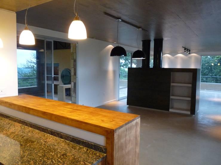 Vivienda Unifamiliar en Raco.: Comedores de estilo  por ee.arquitectos