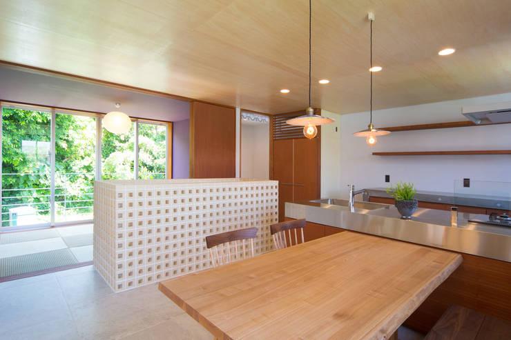 絆の家: プラソ建築設計事務所が手掛けたダイニングです。