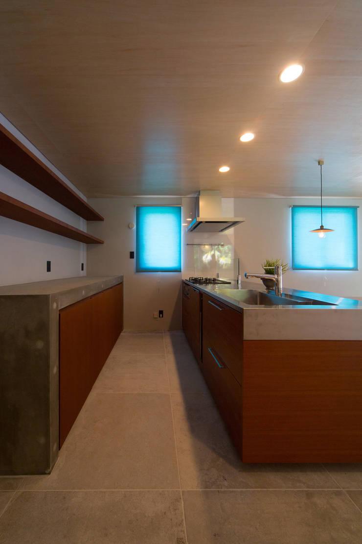 絆の家: プラソ建築設計事務所が手掛けたキッチンです。