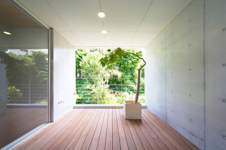 絆の家: プラソ建築設計事務所が手掛けたテラス・ベランダです。