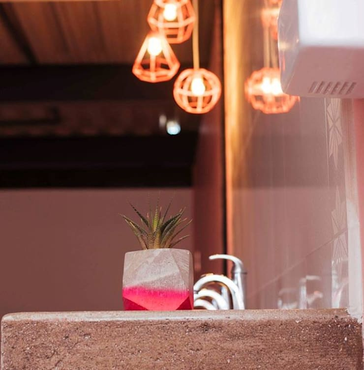 RUMO Rosa: Baños de estilo  por Pitaya