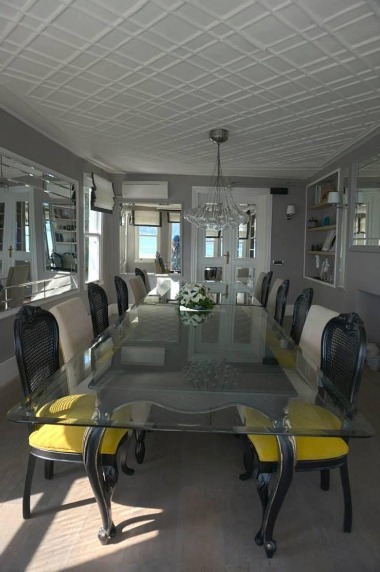 Bozantı Mimarlık – Gazebo Restaurant Yeniköy:  tarz Oturma Odası