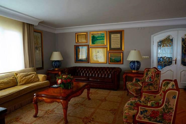 Bozantı Mimarlık – Erenköy'de Ev:  tarz Oturma Odası