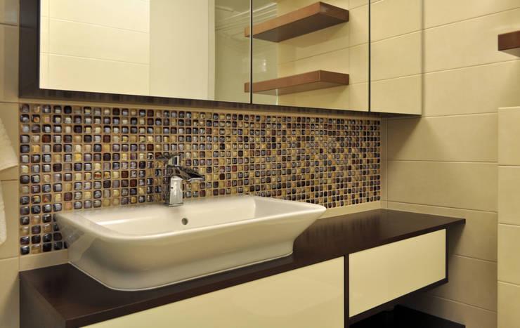 Zdjęcie z realizacji;widok na szafkę z umywalką: styl , w kategorii Łazienka zaprojektowany przez Katarzyna Wnęk